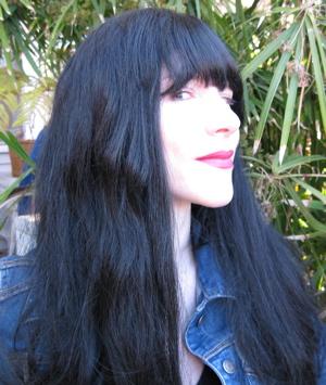 Amyblackwig.jpg