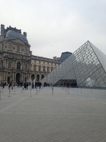 ParisLouvreJan2015.JPG